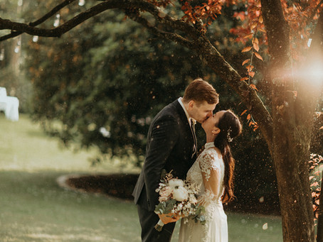 Hochzeitsfotos beim Regen – Tipps für Brautpaare