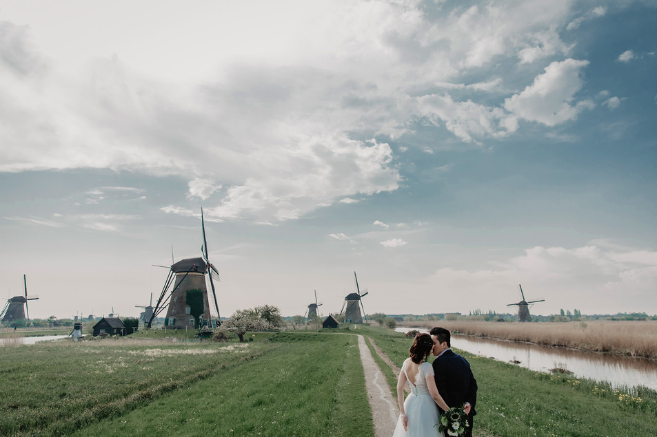 Kinderdijk-Niederlands / A truly amazing peaceful place!!!��It was our pleasure to create a day of love and adventure for the both of them. We know that it is the love of a lifetime and there would be unforgettable moments for them.�