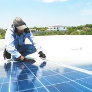 ソーラーパネルの修理
