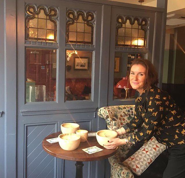 Sophie room styling 💫 #original #london #startupsisters #girlboss #entrepreneur #decoration #interi