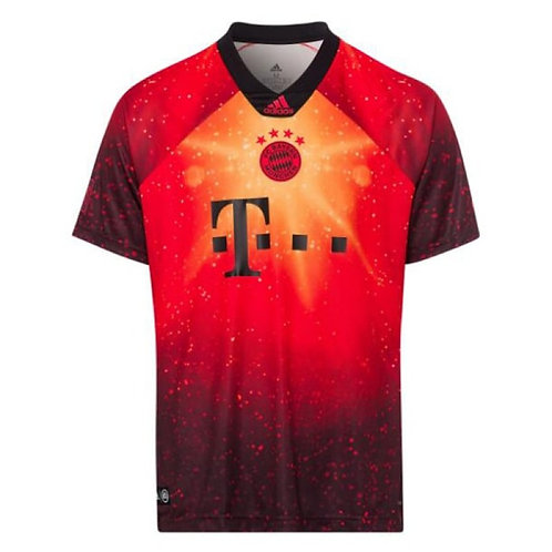 """Bayern Münih x FIFA19 """"Özel Üretim"""" Formaları"""