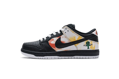 SB Dunk Low Pro QS Roswell Raygun