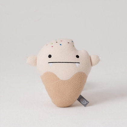 Noodoll / בובת ״גלידת וניל״ קטנה בצבע שמנת ולבן