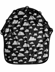 Farg & Form / צלון עגלה שחור עם עננים