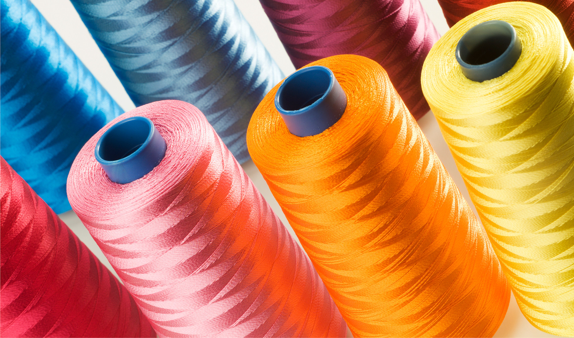 Hilo de coser colorido