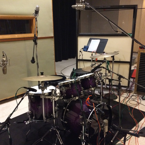 Here is a close-up of the drums from the rhythm section session of the previous picture.