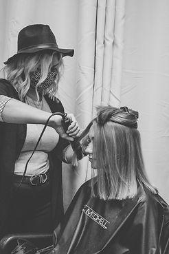 Hairstylist Leslie