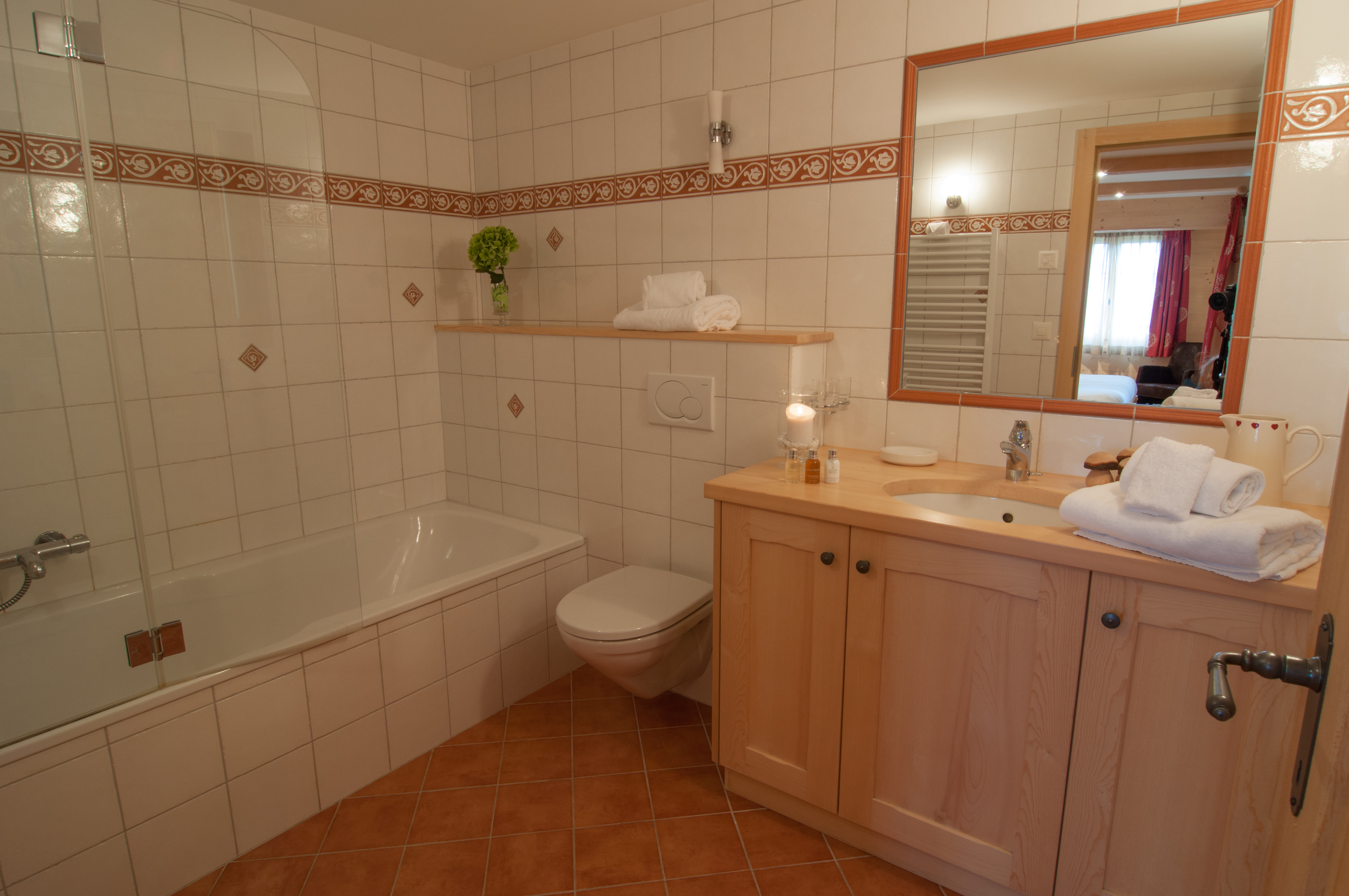 Chalet Lisa Master bathroom