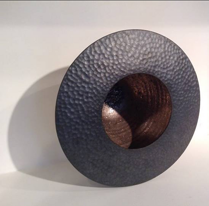 Black fired round pot with hammered brim by Rob Sollis