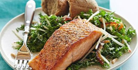 Pan-Seared Salmon & Kale Apple Salad