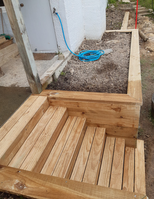 Built-in steps and capping on existing retaining