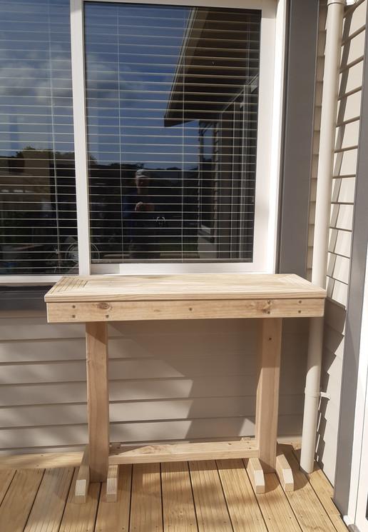 Deck servery table