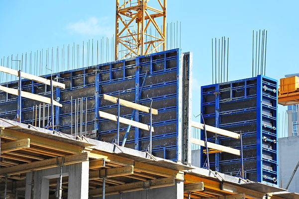 construction-site-with-concrete-formwork-system-of-blue-steel-beams-braces-with-durable-black-reinforced-composite-boards