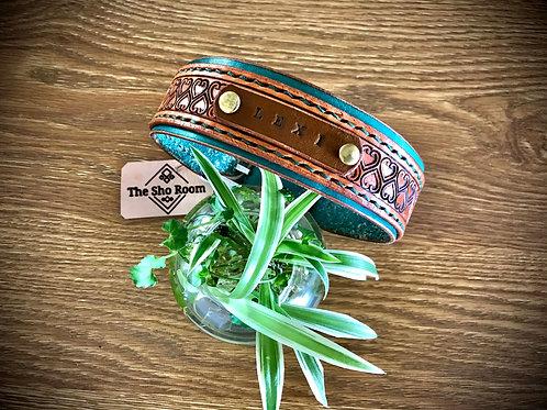 Custom colour pet collar, tooled double layered