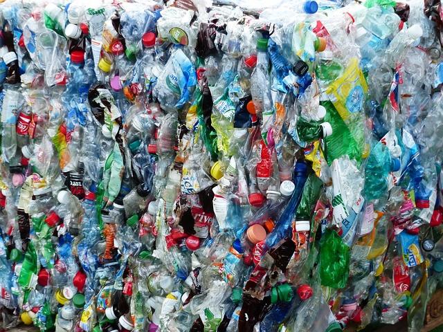 Plastikflaschen - wie Sand am Meer