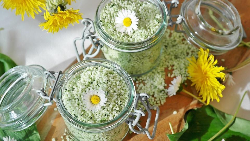 Das beliebte Kräutersalz - hergestellt mit Steinsalz