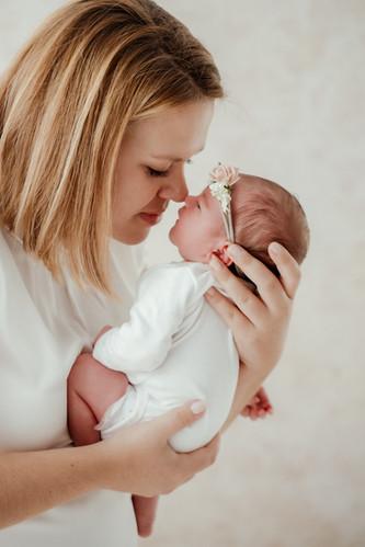Newborn Babyfoto.jpg
