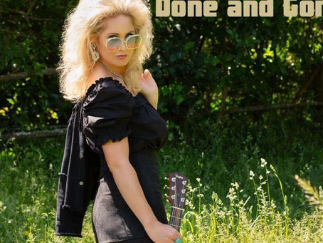 Country Music Artist Ainslie Allen Chats on KoolNDeadly