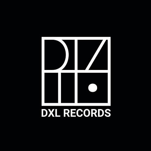 DXL invite Roommates