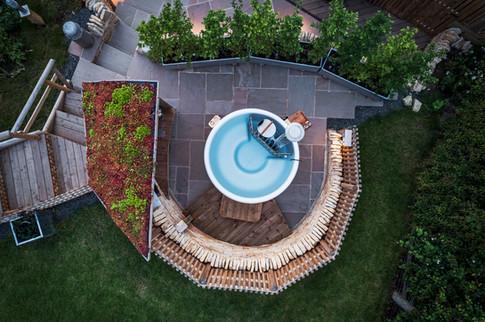 Malvern Hills Lodge solid fuel hot tub