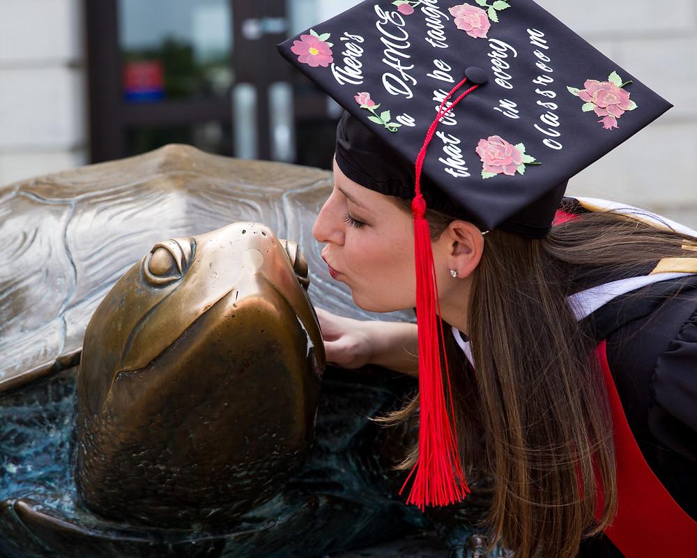 graduation umd testudo kiss