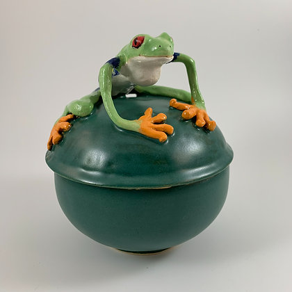 Lidded Treefrog Pot