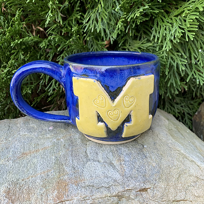 M Mug The Team Hearts