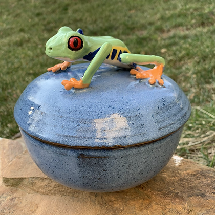 Lidded Pot Blue with Tree Frog