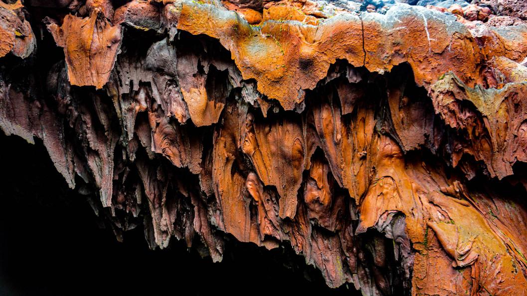Cave Vulcan Tolbachik