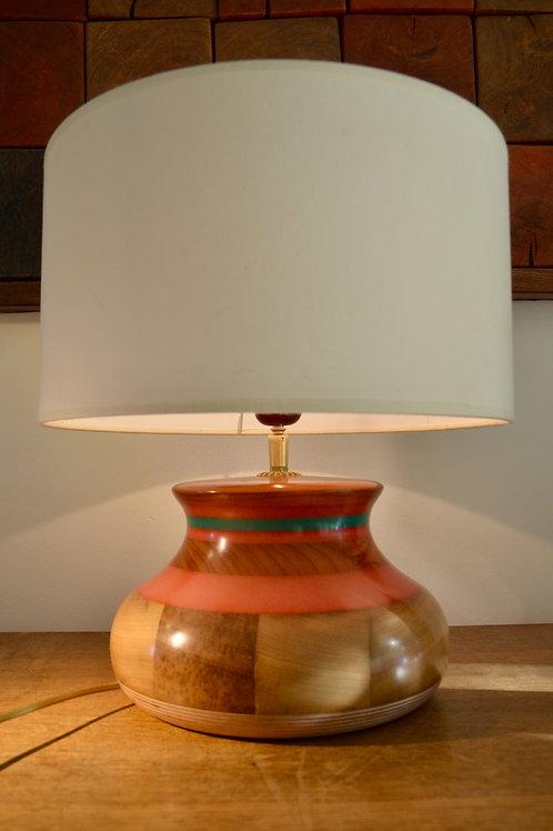 Création pied de lampe en bois de bananier. 408.