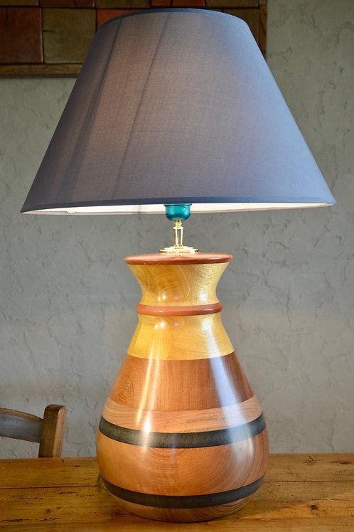 Pied de lampe en Movingui. 351.