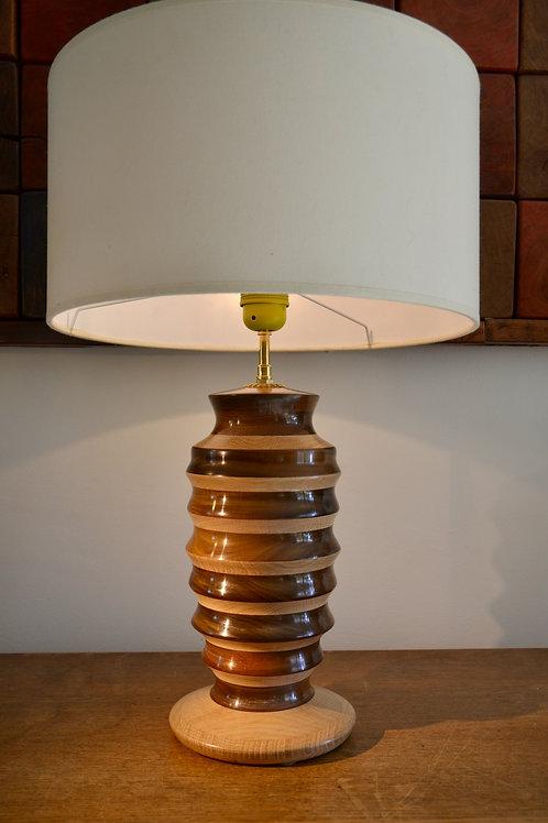 Pied de lampe en chêne et ipé. 417.