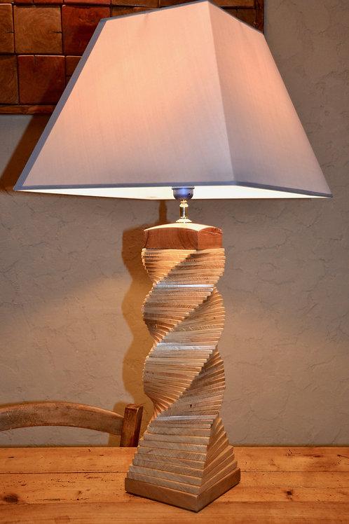 Pied de lampe. Chêne torsade. N°330