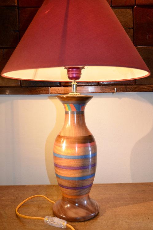Pied de lampe en bois de cumaru. 413.