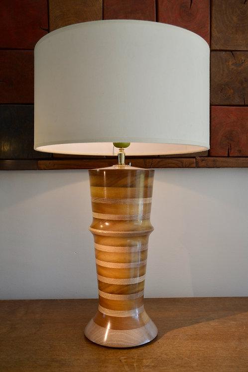 Pied de lampe en bois d'ITAUBA. 422