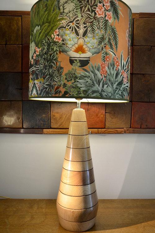 404 - Grand pied de lampe en chêne.