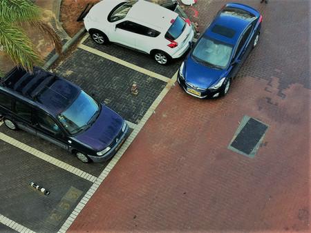 Внимание! Блокирующая парковка запрещена законом.