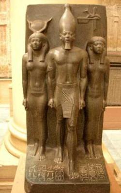 Egypte_Hathor_Isis ou_Pharaon