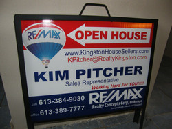 A-Frame insert with printed balloon