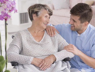 Roles and Responsibilities You Can Expect as a Professional Caregiver