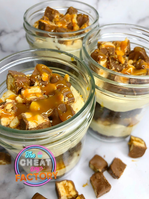 SNICKERS CUPCAKES IN A JAR (2 Jars)