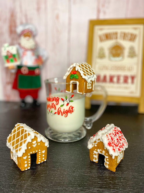 GINGERBREAD HOUSE MUG HUGGER