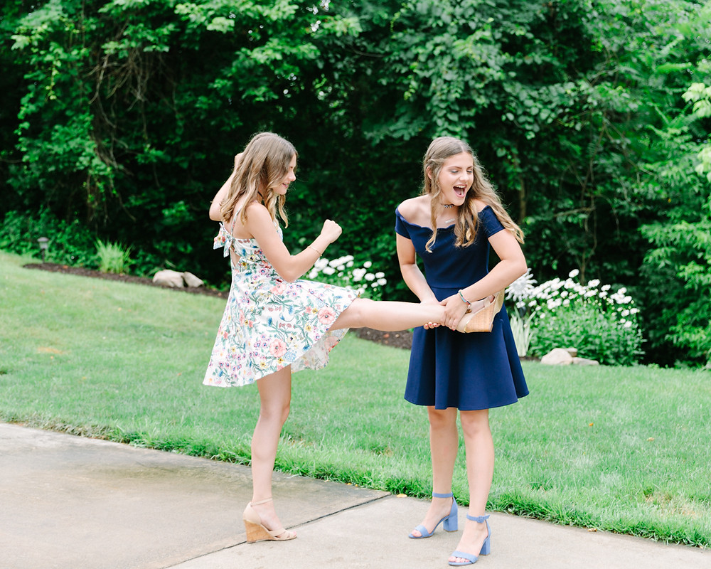 Silly family photos with teen children by LeeAnn K Photography in Pittsburgh Pa