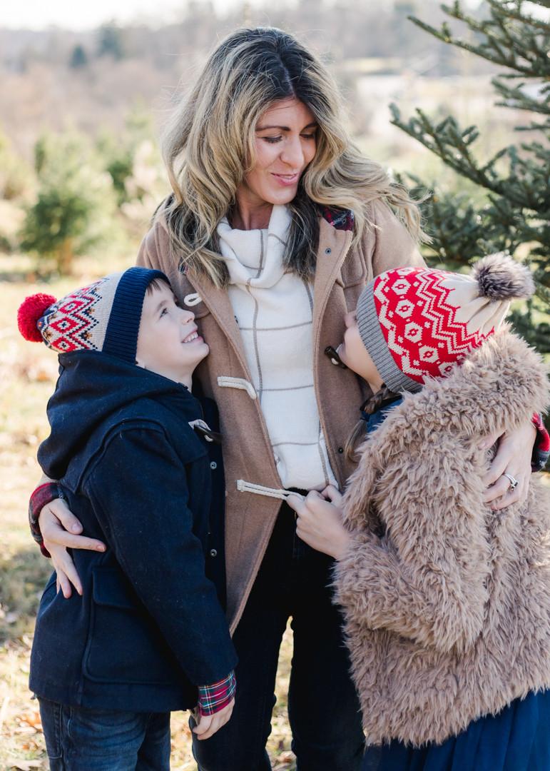 Christmas mini-sessions at a Christmas Tree Farm by LeeAnn K Photography.