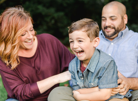 3 Tips for Natural-Looking Family Photos | LeeAnn K Photography