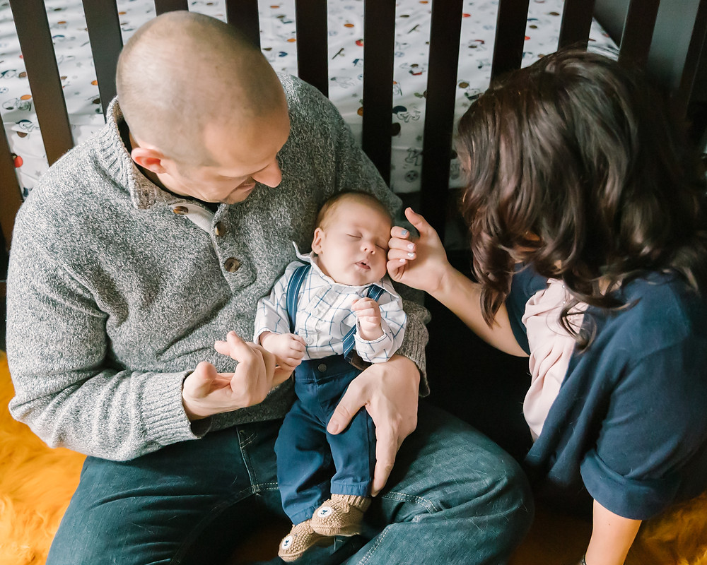 Beautiful Family Photos with Newborn Pittsburgh PA - LeeAnn K Photography