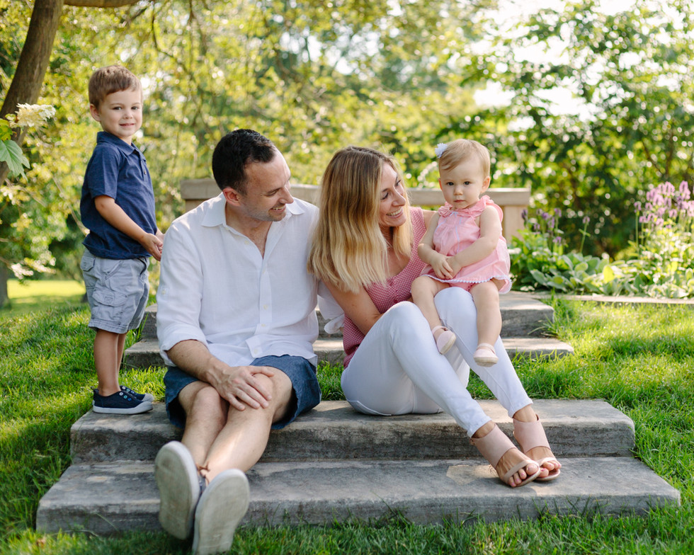 Outdoor Family Session in Mellon Park, Pittsburgh Pa