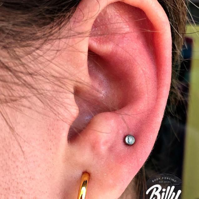 Upper lobe piercing Valencia