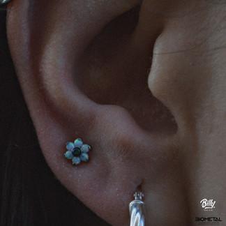 Upper lobe piercing