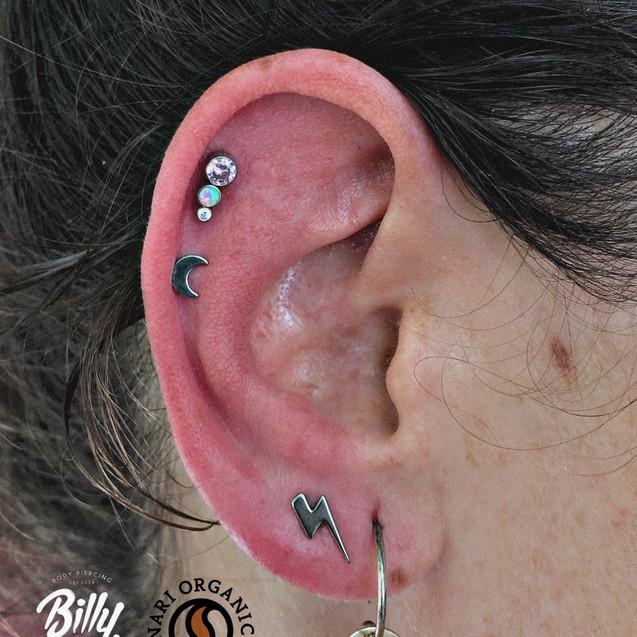 Upper lobe, helix bajo y helix piercings